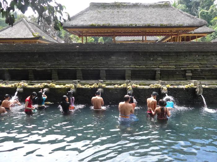 バリ島へ行く。⑳ ~不老不死の水を探しに行った話~_f0232060_1612979.jpg