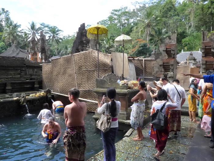 バリ島へ行く。⑳ ~不老不死の水を探しに行った話~_f0232060_16131347.jpg