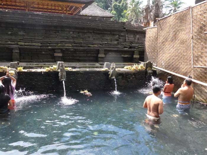 バリ島へ行く。⑳ ~不老不死の水を探しに行った話~_f0232060_16182871.jpg