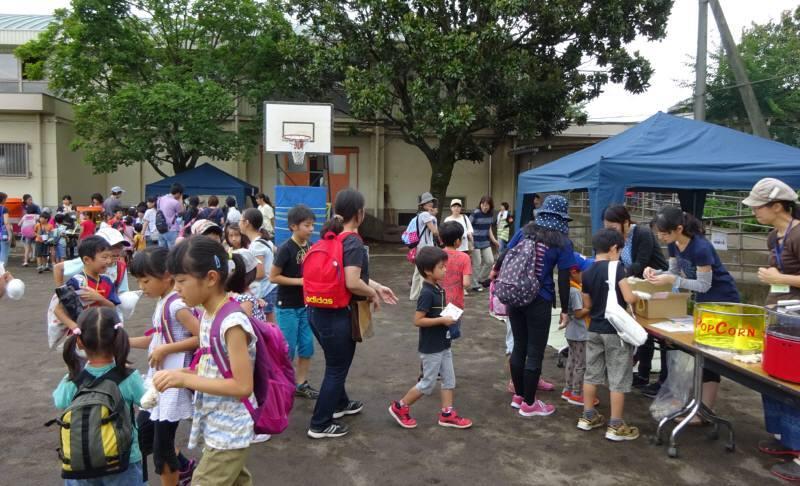 市内小学校の夏休みイベント_f0059673_23145128.jpg