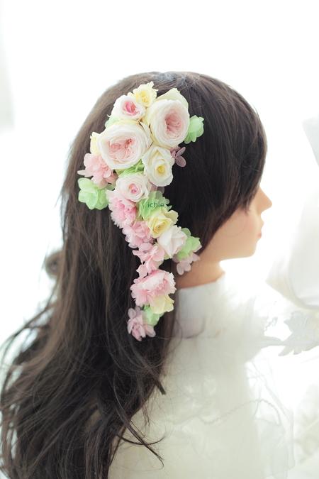 花の髪飾り 山手ロイストン教会さまへ、花鎖  ご新郎様手作りの花のアクセサリにあわせて_a0042928_10301592.jpg