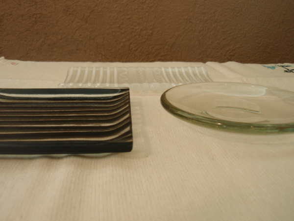 本日のおやつ ガラスのお皿で_b0132442_14045222.jpg