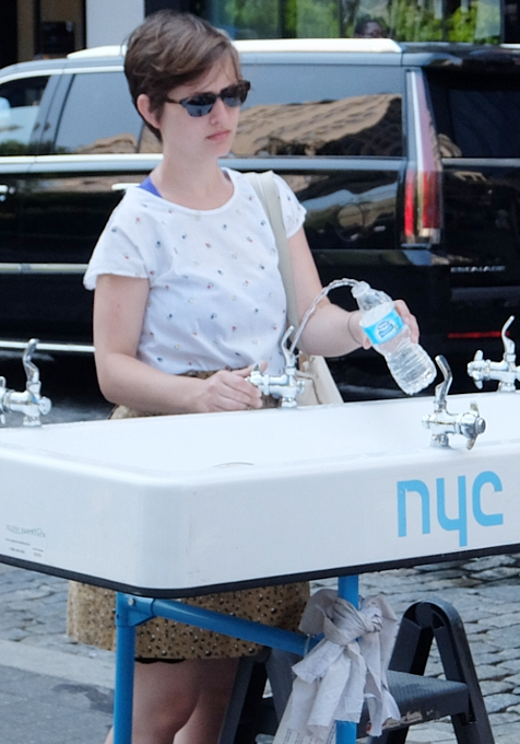 仮設水飲み場 Water-On-the-Go、今年もNYに登場中_b0007805_21594240.jpg