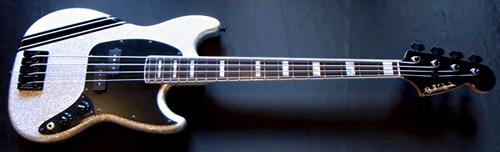 斉藤さんオーダーの「Gastank Bass Custom」が完成!!!!!_e0053731_16423952.jpg