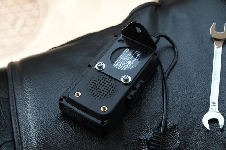 デイトナ:MOTO GPS レーダー LCD_f0310771_2124279.jpg