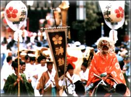 テーマパークジャパン:西は大阪天満宮の「天神祭」、東は靖国神社の「御霊祭り」_e0171614_163135.jpg