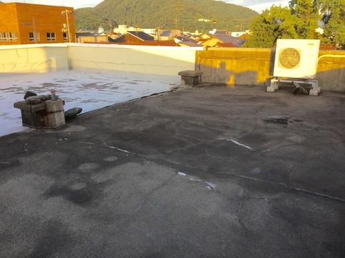 屋上の防水工事 1日目_b0182530_13312942.jpg