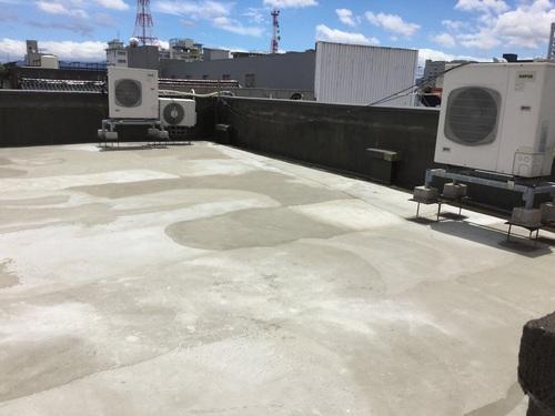 屋上の防水工事 1日目_b0182530_13335395.jpg