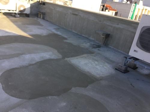 屋上の防水工事 1日目_b0182530_13345249.jpg