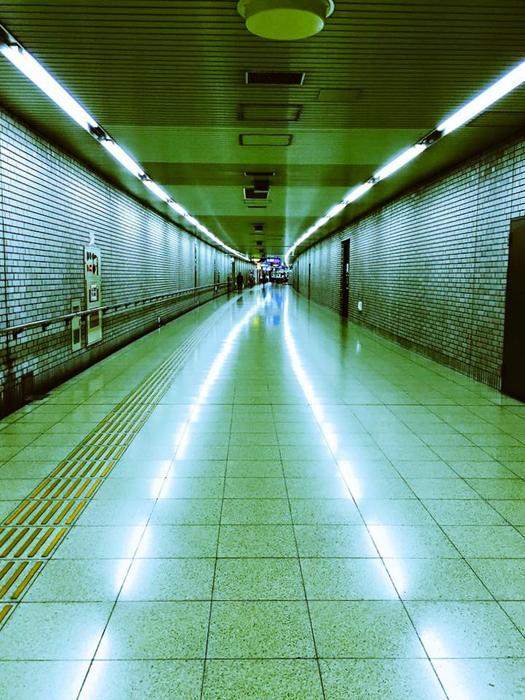 地下鉄空港線 祇園駅前 / iPhone 6_c0334533_23014364.jpg