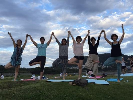 mayu beach yoga@葉山  これからのスケジュール_a0267845_00065665.jpg