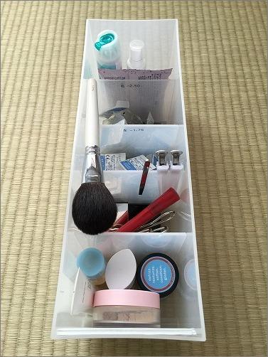 【 朝イチでお化粧するための収納 】_c0199166_1025255.jpg