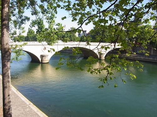 パリ街歩き♪_b0105897_1754716.jpg