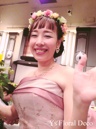 ピンク色のドレスにあわせるミックスカラーの花冠_b0113510_10511459.jpg