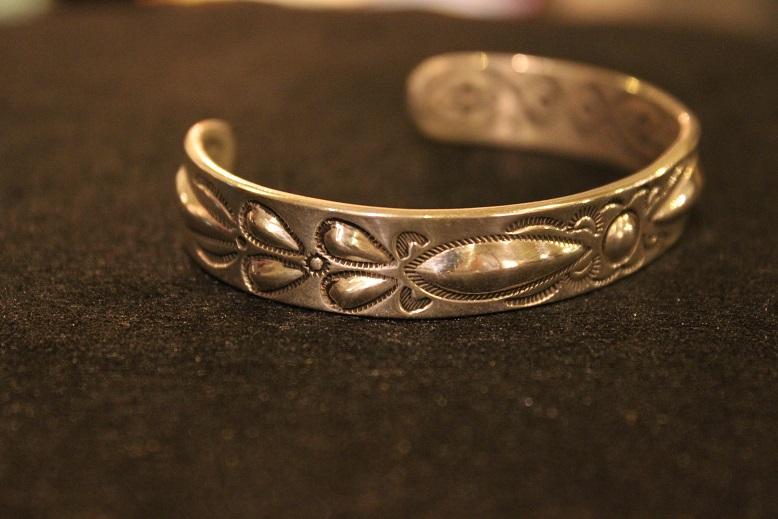 "Indian-Jewellery \""RAY ADAKAI\"" ご紹介_f0191324_0174667.jpg"