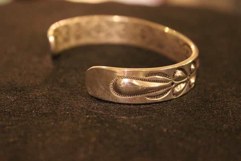 "Indian-Jewellery \""RAY ADAKAI\"" ご紹介_f0191324_0175323.jpg"