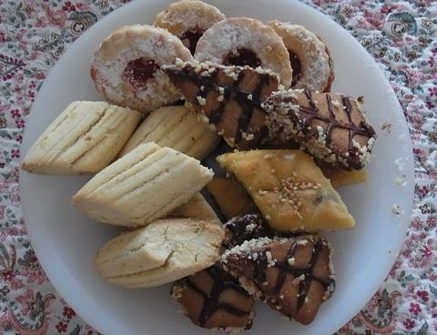 アラブのお菓子 ( Patisseries Arabes ) …… 。_b0287748_3492432.jpg