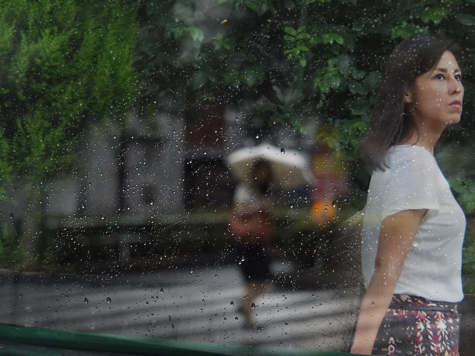 雨だったり快晴だったりの日_a0271402_23161577.jpg