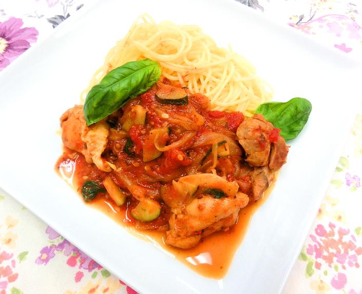 鶏もも肉と夏野菜のパスタ_c0173014_16513733.jpg