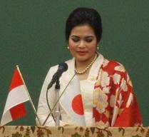 インドネシア:Puti Guntur Soekarnoさんの講演@スカルノ国際共同研究発会式 国士舘大学_a0054926_7172649.jpg
