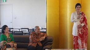インドネシア:Puti Guntur Soekarnoさんの講演@スカルノ国際共同研究発会式 国士舘大学_a0054926_7214716.jpg