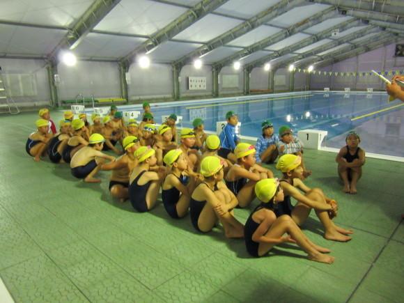 3年・4年 水泳教室始まりました★_d0010630_14041054.jpg