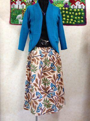 シルク100% カンタ刺繍のスカート☆入荷のお知らせ_d0187468_1614053.jpg