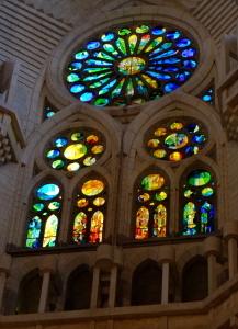 天才ガウディが美しい建築様式と彫刻、装飾を集約させた教会でバッハを感ずる_a0113718_11220762.jpg