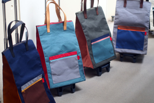 CARRY BAG 5 COLORS_e0243765_09274840.jpg