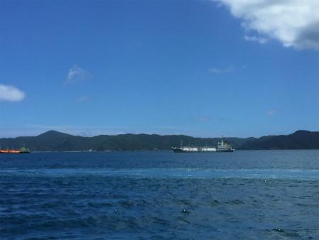 大島海峡、波立ってきたー。_e0028387_14443118.jpg