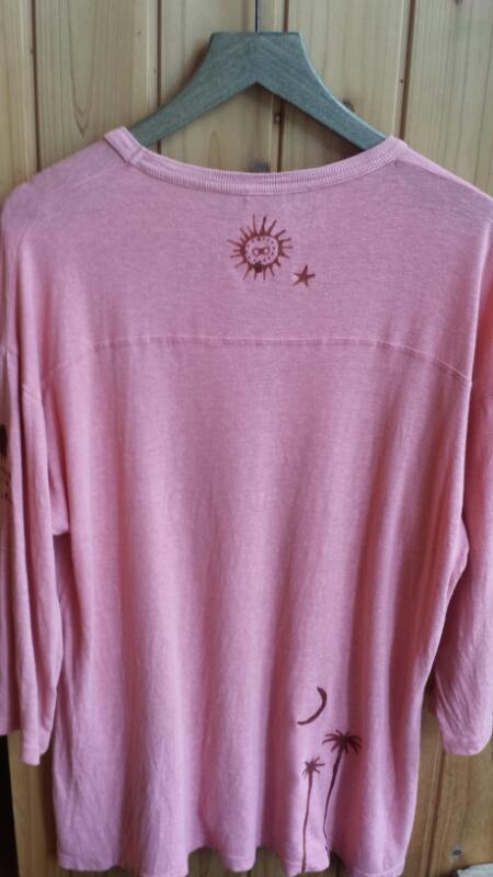バティックでTシャツのリメイク_e0155231_17235683.jpg