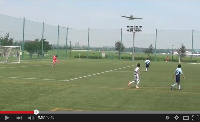 調布飛行機事故:サッカー少年たちが大事故直前の飛行機を撮影!_e0171614_16151069.png