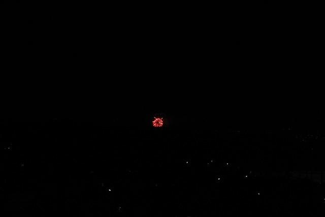 ベランダから見えた花火とお月様。_f0348831_00451755.jpg