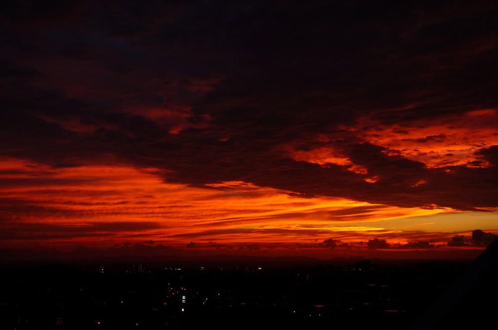 とてもきれいな夕焼けだったのだが_a0095470_1231822.jpg