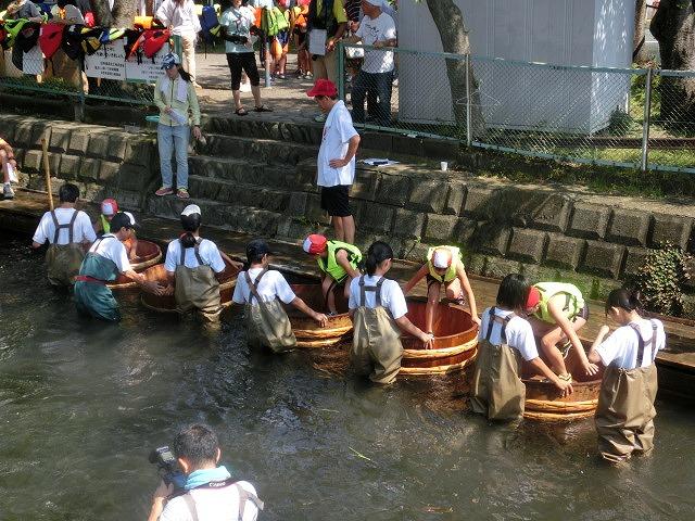 酷暑の中、冷たさが気持ちいい「第29回田宿川 たらい流し 川祭り」_f0141310_7154378.jpg