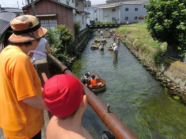 酷暑の中、冷たさが気持ちいい「第29回田宿川 たらい流し 川祭り」_f0141310_7162332.jpg