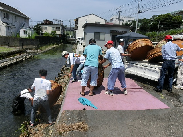 酷暑の中、冷たさが気持ちいい「第29回田宿川 たらい流し 川祭り」_f0141310_7164029.jpg