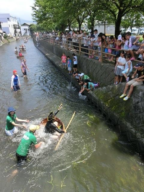 酷暑の中、冷たさが気持ちいい「第29回田宿川 たらい流し 川祭り」_f0141310_717544.jpg