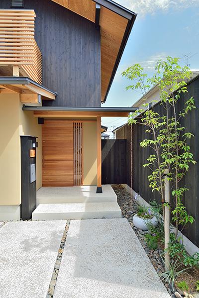 建物完成見学会「愛猫と暮らす小さな家」_e0164563_1054392.jpg
