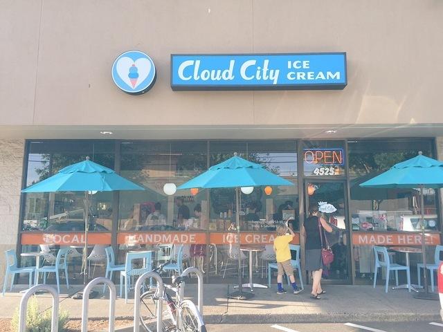 アイスクリームとドーナッツ_e0287190_16564835.jpg