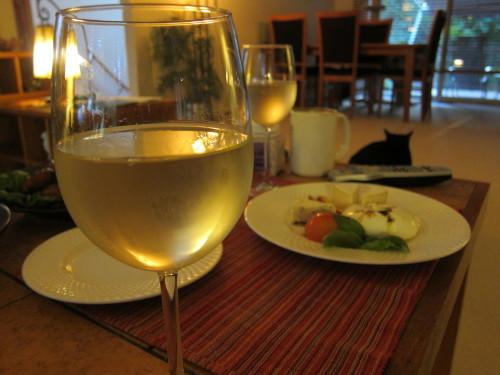 週末の夕食は、とろなまモッツァレラと、ワインと夏野菜_d0240098_04300494.jpg