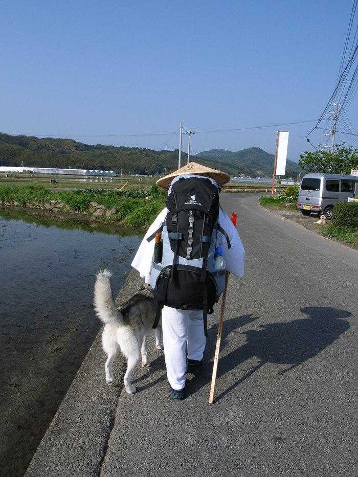 Shikoku Pilgrimage with Hana2, Apr.30th in 2006 (2)_c0049299_2245266.jpg