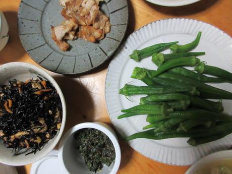 胡瓜と鶏のスープ・ひじき煮・オクラなど_a0203003_19421424.jpg