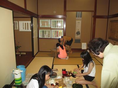 「子供茶会」の一時_f0289632_17333418.jpg