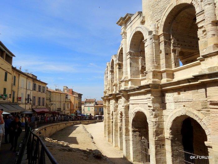 フランス周遊の旅 13 古代遺跡の街アルル_a0092659_231102.jpg