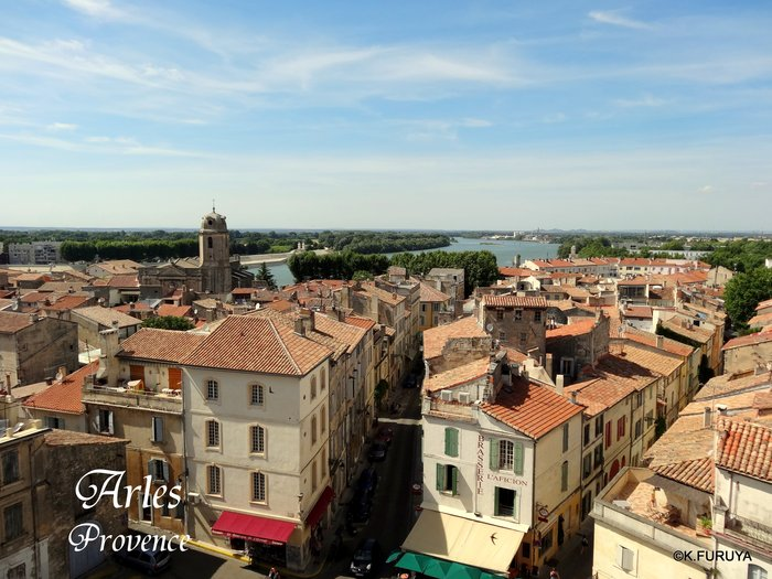 フランス周遊の旅 13 古代遺跡の街アルル_a0092659_2334466.jpg