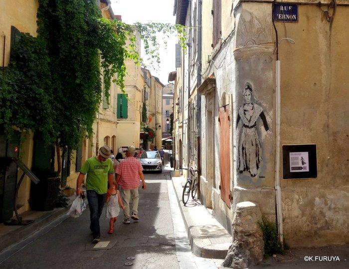 フランス周遊の旅 13 古代遺跡の街アルル_a0092659_23502497.jpg