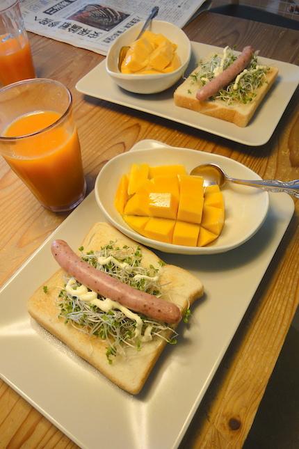 ある日の朝食_f0054859_18121174.jpg