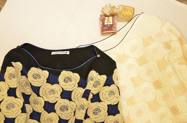 mina perhonenの重厚な花びらを纏って_a0256162_20411021.jpg