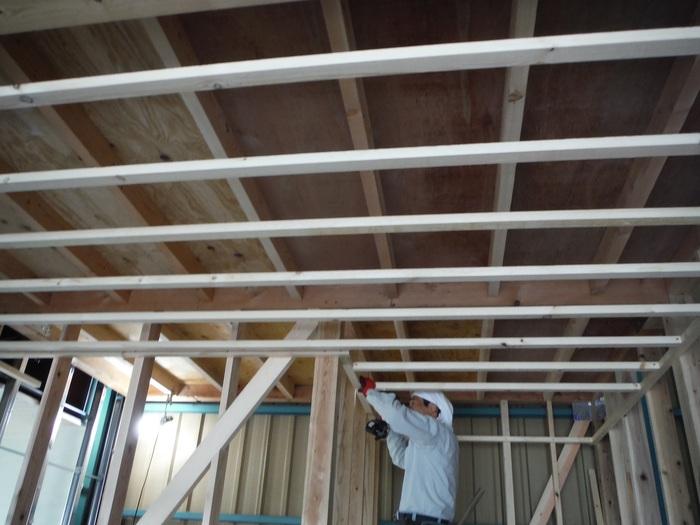 事務所の室内改装 ~ 壁、天井つくり_d0165368_4473034.jpg